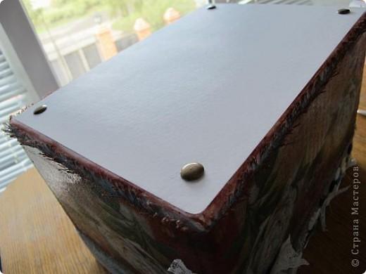 Я решила, что подруге явно не хватает в хозяйстве коробки для рукоделия. То, что это будет именно коробка, я решила точно, но вот какая она будет - долго перебирала варианты. В итоге вот что вышло.  Расскажу по этапно, может, кому пригодится)) фото 18