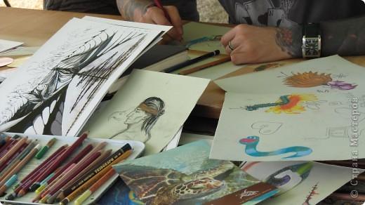 """Фестиваль искусств """"другой взгляд""""- Этот фестиваль был организован молодыми людьми с разным творческим идеи .Прекрасно настроение, много музыки и, в основном радость детям, каторые знакомили с искусством фото 22"""