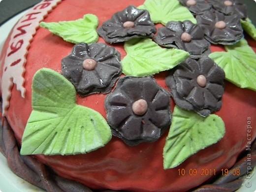 """Спекла для свекрови на День рождения. Внутри """"Шоколад на кипятке"""" крем зефир со сметаной и вишня. фото 4"""