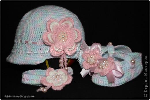 комплект для младшей доченьки (пинетки, кепочка и повязка) фото 1