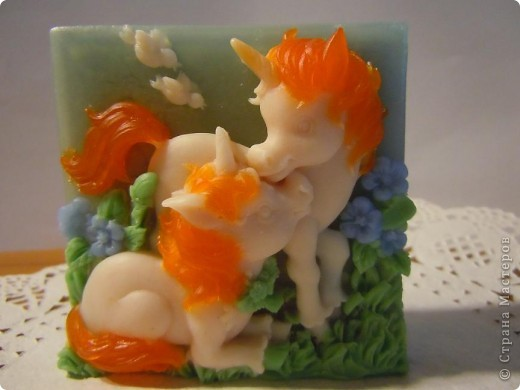 После того,как попробовала сварить нулевое мыло, а потом  им просто помыться,мыло из основы не актуально.Так просто баловство(варка мыла из основы),да нулевое-это любовь с первой пробы.Ну а так как мыльной основы закуплено,основательно,то продолжаю....... фото 2
