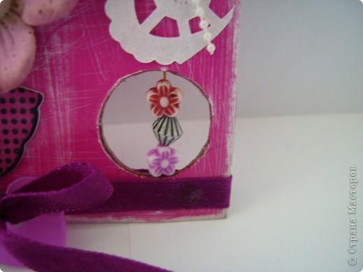 """Пришла очередь тэга для девочек. Думала про девочек будет легче, а на самом деле .... В одном блоге (http://lorrika.blogspot.com/2011/09/quote.html) я прочитала: """"Если хочешь написать о женщине, обмакни перо в радугу и стряхни пыль с крыльев бабочки"""" Дени Дидро. Вообщем в моем понимании девочки это: розовый цвет и все цвета радуги, это наряды, бусики, бисер, кружавчики, короны, мишки сердечки  и цветы, цветы, цветы... Ну вот, что получилось, судить вам. фото 4"""