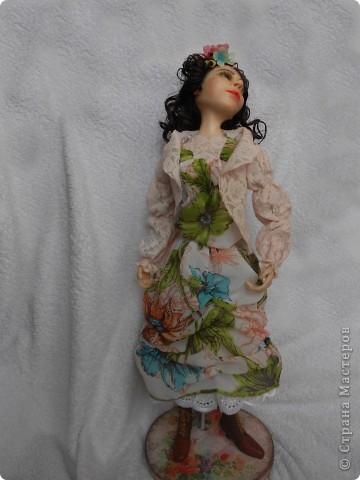 Лепила куклу цыганку, но не получилась она цыганкой, давно хотела создать ей подходящий образ. Костюмом опять не довольна. Надо учиться шить... фото 7