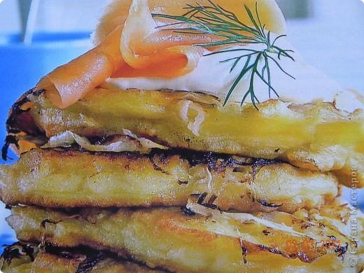 Оладьи картофельные и квашенной капустой фото 1