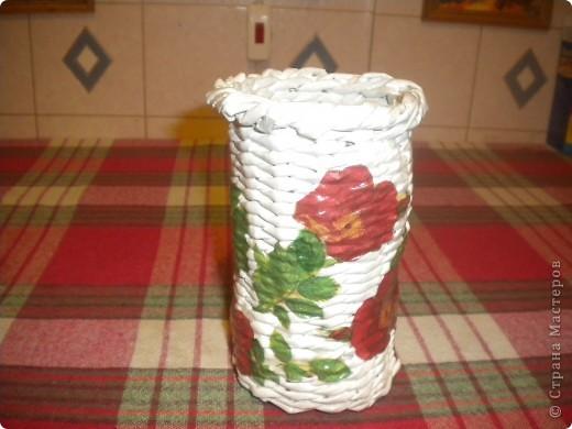 этот стаканчик я сплела для хранения инструмсентов для плетения( ножниц,спиц,кисточек) фото 1