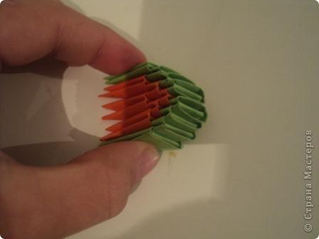 модули для этой поделки делаем из листа бумаги А4, сложенной в 5 раз фото 5
