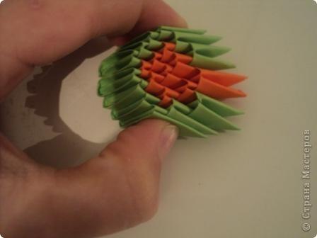 модули для этой поделки делаем из листа бумаги А4, сложенной в 5 раз фото 7