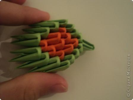 модули для этой поделки делаем из листа бумаги А4, сложенной в 5 раз фото 9