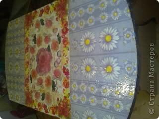 Не сфотографировала до покраски,извините! Покрасили стол на пару с любимым! краска акриловая + клец ПВА! фото 3