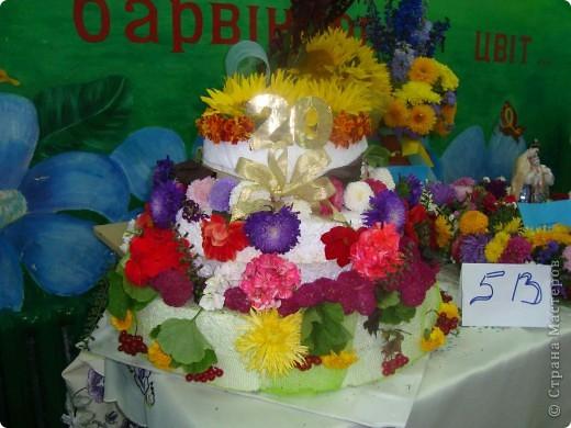 В нашей школе проходила выставка цветов посвященная 20 годам независимости Украины. Первую работу на ваш суд выношу моей дочки Насти (конечно под маминым руководством). фото 29