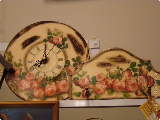 Часы на виниловой пластинке были сделаны в память о погибшей собаке и подарены ее хозяевам.  фото 9