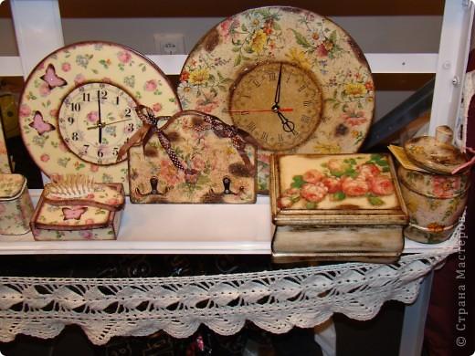 Часы на виниловой пластинке были сделаны в память о погибшей собаке и подарены ее хозяевам.  фото 12