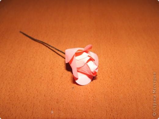 Здравствуйте дорогие жители СМ!!! Сегодня хочу поделиться с вами своим открытием!!! Мы будем с вами мастерить розочку как на фото!!! Розочка из бумаги своими руками-это так просто!!! Вдохновила меня на создание этого цветка мамина большая брошка-роза!!! Вот так порой приходит вдохновение!!!)))))  фото 10