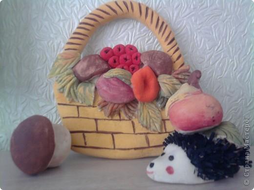 """На выставку """"Осень золотая """" в саду. Сынок сам лепил и раскрашивал  яблочко и грибочик ( ему 6 лет)"""