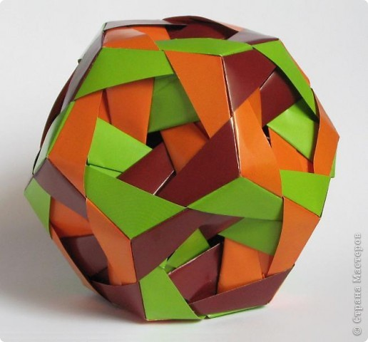 """Всем привет!  Меня недельку не было, а у вас тут столько красивого появилось!  Dodecahedron var. by Tomoko Fuse Идею брала из книги """"Unit origami essence"""", с. 126-127 фото 4"""