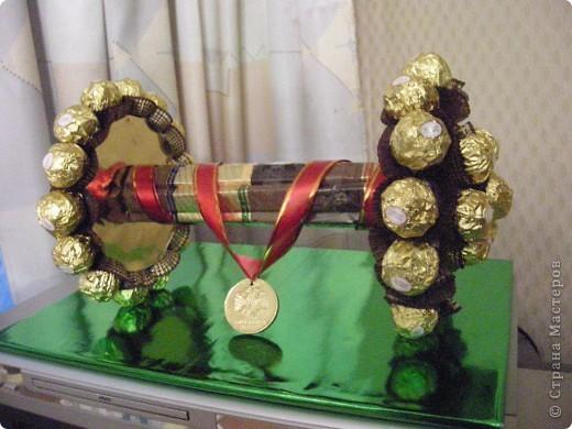 Подарок- букет из конфет фото 1
