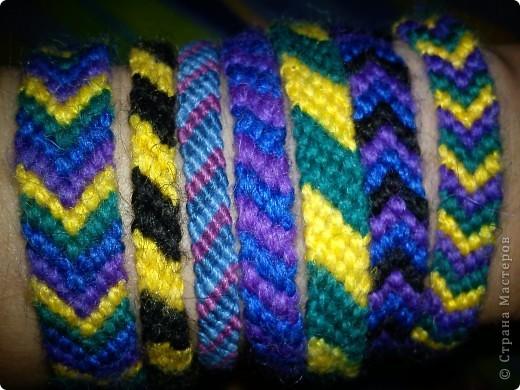 Начну со своего самого главного увлечения - плетение из ниток различных фенечек, браслетов, расточек и ловцов снов фото 1