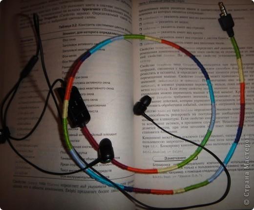 Начну со своего самого главного увлечения - плетение из ниток различных фенечек, браслетов, расточек и ловцов снов фото 5