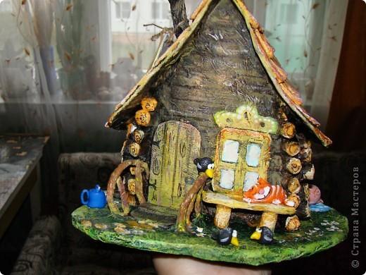 Домик в деревне (папье-маше) фото 1