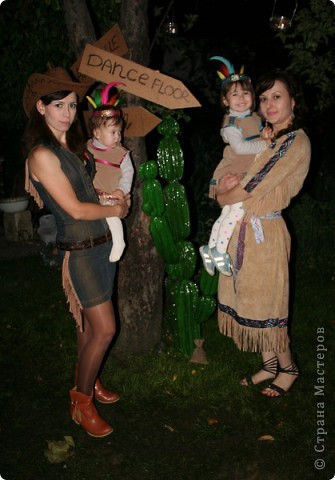 вот такой кактус я сделала на ковбойскую вечеринку в честь дня рождения моих девочек!. вообще их было 4 шт. но вот в живых остался только этот, дети и взрослые не могли поверить, рассматривали, фотографировались...что аж 3 кактуса сломали ))). фото 5