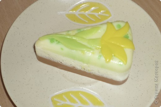 Лимонное пирожное из мыла фото 3