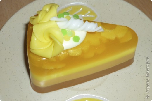 Ананасовое пирожное из мыла фото 1
