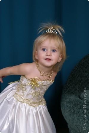 После рождения внучки Ксенечки у меня появилось желание сшить что-нибудь для нее,вот наше первое платье фото 7