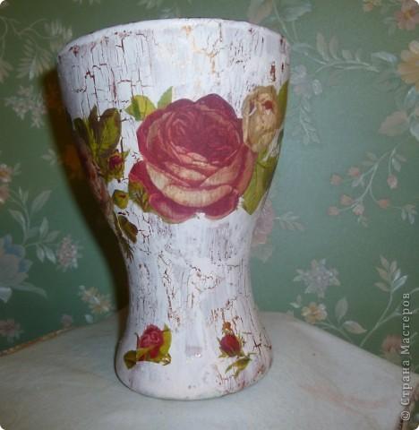 От попадания  солнечных лучей  в вазу  она вся  зарозовела, как  ушки  маленьких детишек на солнышке. фото 3