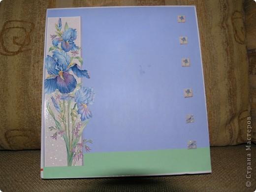 """Решила сделать из необычной коробки подарок на день учителя.  Это коробка """"анфас"""". Выполнена в технике декупаж. фото 1"""