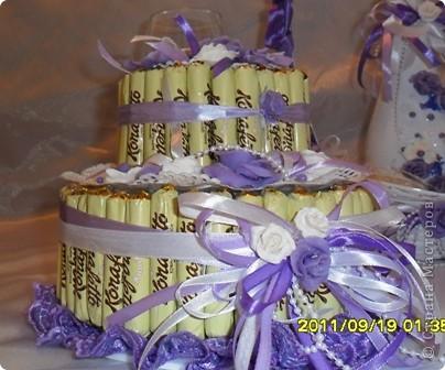 этот тортик я сделала ко дню рождения подруги дочери,может плохо видно,но другого фото нет