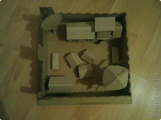 Как-то раз решил сделать что-то особенное.Думал,думал и вот,придумал!Вот такой замок,который сделан из картона. фото 1