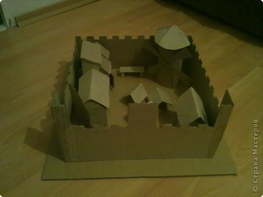 Как-то раз решил сделать что-то особенное.Думал,думал и вот,придумал!Вот такой замок,который сделан из картона. фото 6