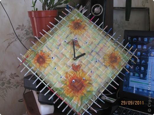 Насмотрелась, настроилась и начала творить. Почему начала делать часы, не знаю. А оказалось попала в точку, они ей (подруженьке) оказались очень нужны. фото 1