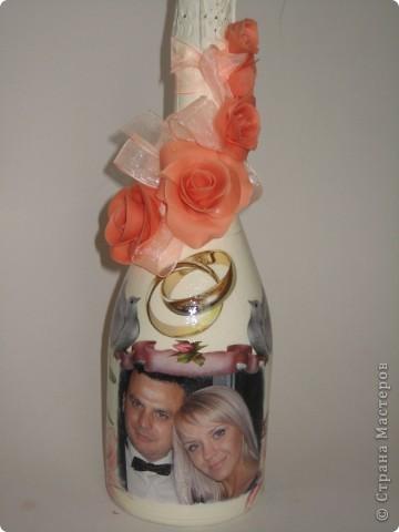 Свадебная бутылка, выполнена на заказ в технике декупаж и лепка из холодного фарфора фото 1