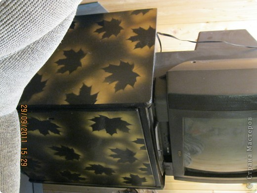 Обои шелкография, лежал остаток, решила обновить шкаф. фото 18