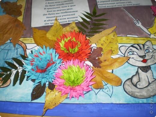 Плохо видно девочка, рамочки, буквы сделаны из цветной манки. фото 3