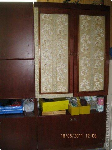 Обои шелкография, лежал остаток, решила обновить шкаф. фото 1