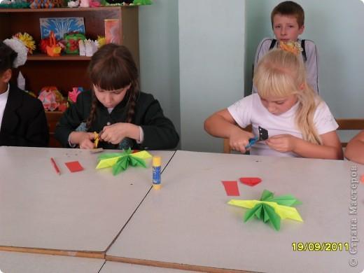 Детки делают кленовые листики. фото 1
