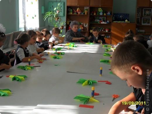 Детки делают кленовые листики. фото 2
