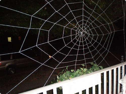 Скоро Хэлоувин, и кто-то может захотеть украсить свой дом страшным декором. фото 1