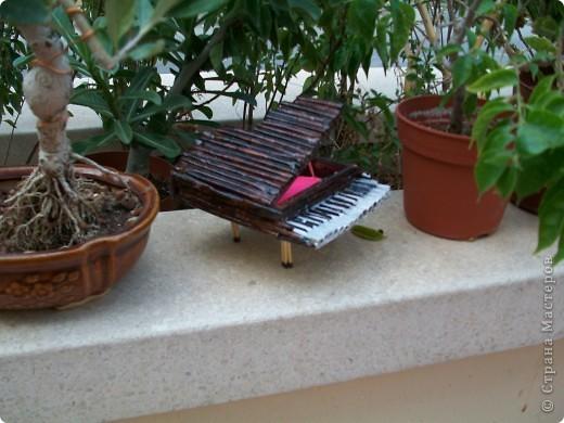 пианино(шкатулка)делала по етому МК http://stranamasterov.ru/node/236285 долго думала что сделать в подарок своей кумушке и  решила что шкатулка будет очень полезна фото 4