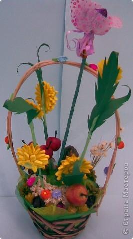 Корзинка, квиллинг, сухоцвет, декоративные яблоки, конфета, ежик и немного фантазии...:)))) фото 2