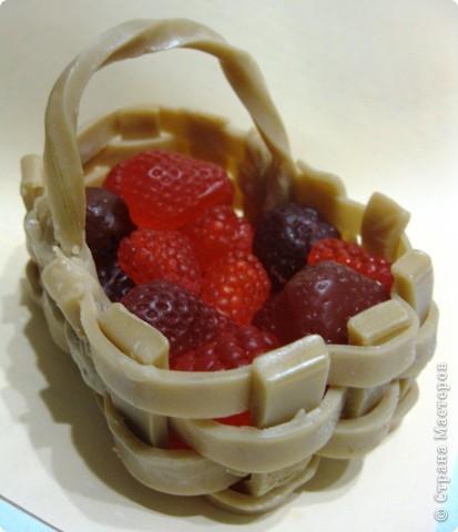 Катя, Katuten,  спасибо огромное еще раз за такой МК. Лежали эти ягоды и мучали меня. СПАСИБО!!!!