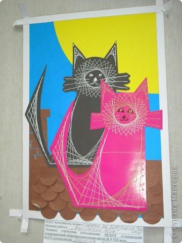 Эту работу мы делали года 3 назад. Схема этих кошек есть во многих книгах, но хотелось как то обыграть образ. Вот мы их и посадили на крышу при луне.