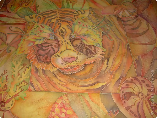Тигр в ракушках. Хотя когда задумывала эту работу, то хотела передать, буд то тигр отражение в воде, буд то он смотрит в речку или в море, а на дне ракушки. фото 1