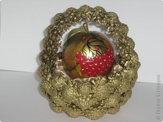 Наливное яблочко в золотой корзиночке. фото 1