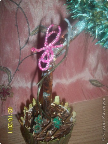 Деревце-кактус, потому что оочень колючее, сделала из расторопши ,  правда большие колючки посрезала, в некоторых местах она цветет) фото 3