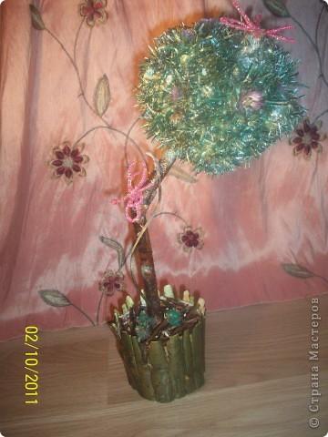 Деревце-кактус, потому что оочень колючее, сделала из расторопши ,  правда большие колючки посрезала, в некоторых местах она цветет) фото 7