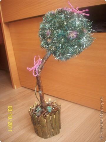 Деревце-кактус, потому что оочень колючее, сделала из расторопши ,  правда большие колючки посрезала, в некоторых местах она цветет) фото 1