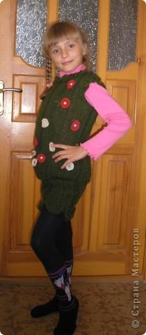 Чтоб зимой было тепло, связала дочке костюмчик. Жилет и юбка. фото 2